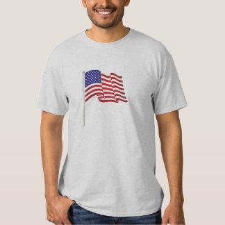 Impressão muito patriótico da bandeira e,… nós t-shirt