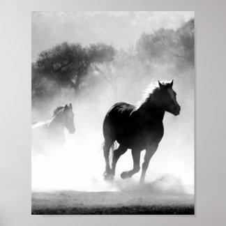 Impressão preto e branco do poster do cavalo