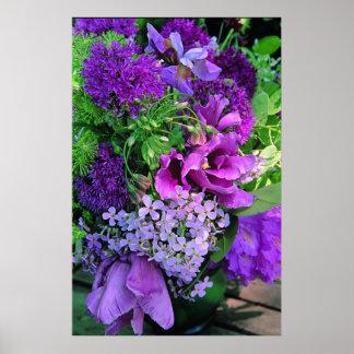 Impressão roxo do arranjo floral do plantador