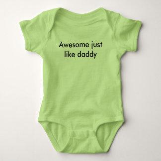 impressionante apenas como o pai body para bebê