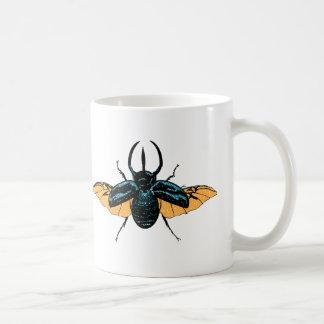 Inseto animal bonito do inseto do besouro do copo caneca de café