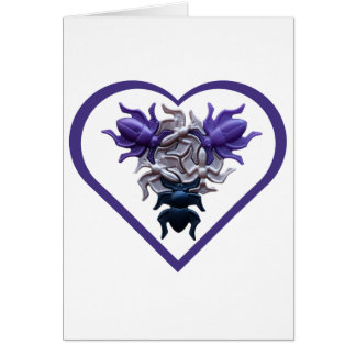 Insetos roxos no cartão do coração