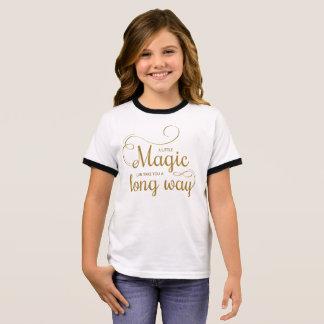 Inspirado pouca camisa mágica da campainha das