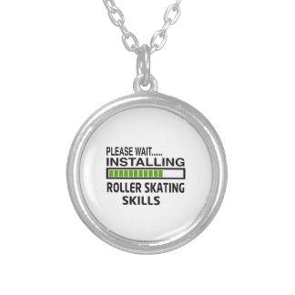 Instalando habilidades da patinagem de rolo colar banhado a prata