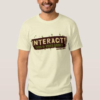 Interativo! Bege sobre #2 verde Tshirts