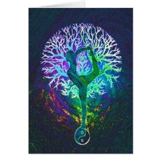Ioga de Yin Yang da energia do arco-íris Cartão Comemorativo