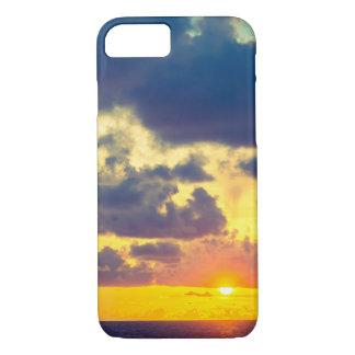 iPhone 7 de Apple do por do sol, mal lá capa de