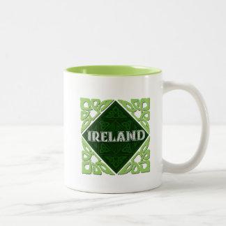 Ireland - nós celtas caneca de café em dois tons
