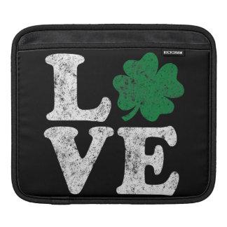 Irlandês do trevo do AMOR do Dia de São Patrício Bolsa De iPad