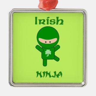 Irlandês Ninja Ornamento Quadrado Cor Prata