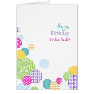 Irmã adoptiva colorida de feliz aniversario dos cartão comemorativo