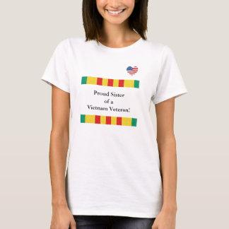 Irmã orgulhosa de um t-shirt do veterano de camiseta