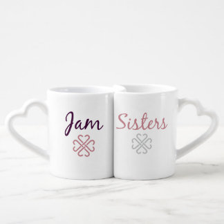 Irmãs do doce que aninham canecas