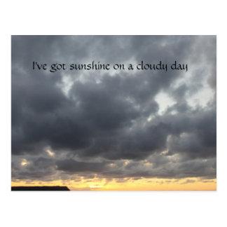 Ive obteve a luz do sol em um cartão nebuloso do