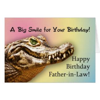 Jacaré de sorriso do cartão de aniversário do