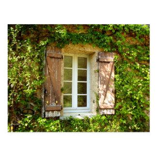 Janela & obturadores franceses da casa da quinta cartão postal