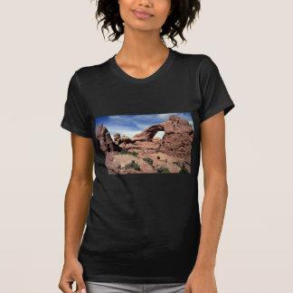 Janela sul, arcos parque nacional, formulário da camiseta