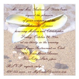 Jantar de ensaio tropical do casamento de praia do convites personalizado