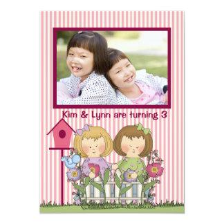 Jardineiro gêmeos pequenos - festa de aniversário convite 12.7 x 17.78cm