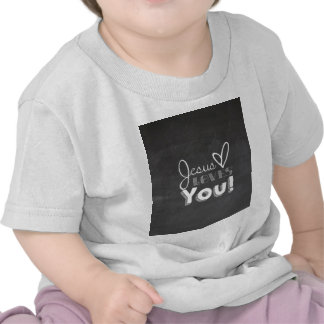 Jesus ama-o presente camisetas