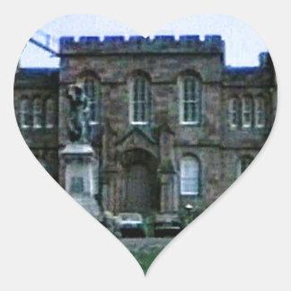 jGibney da arte snap-37689a do castelo de Scotland Adesivo Coração