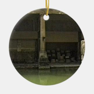 jGibney romano T de Inglaterra 1986 Bath1 Ornamento De Cerâmica Redondo