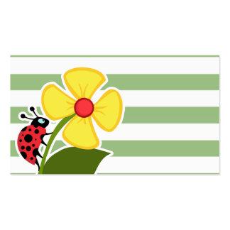 Joaninha bonito em listras horizontais do verde do cartão de visita