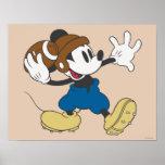 Jogador de futebol 2 de Mickey Mouse Poster