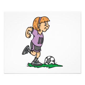 jogador de futebol da menina pronto para retrocede panfletos coloridos