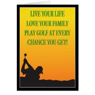 Jogador de golfe feliz do dia dos pais no cartão
