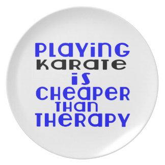 Jogando o karaté mais barato do que a terapia prato de festa