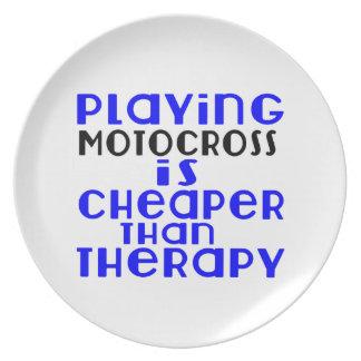 Jogando o motocross mais barato do que a terapia prato de festa
