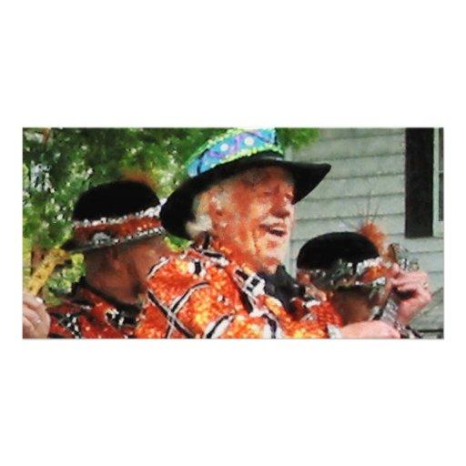 Jogando o Ukulele na parada Cartoes Com Fotos