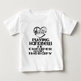 Jogar Handbells é mais barato do que a terapia Camiseta Para Bebê