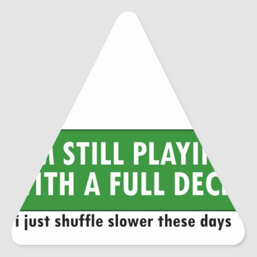 Jogo com uma plataforma de cartões completa adesivo em forma de triângulo
