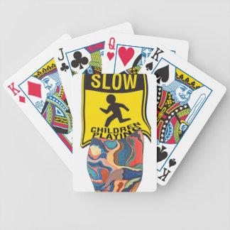 Jogo lento em ferradura das crianças jogos de cartas