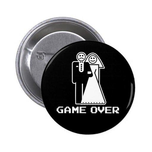 Jogo sobre o jogo do casamento sobre a camiseta en botons