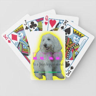 Jogos De Cartas O amor é uma palavra de quatro patas
