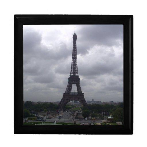 Jóia/caixa de presente da torre Eiffel