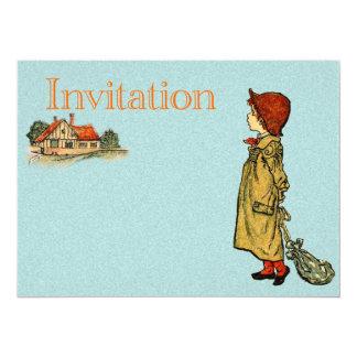 Jovem criança em um Raincoat Convite Personalizado