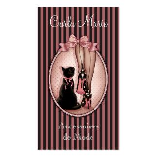 Jovem mulher elegante e gato preto cartão de visita