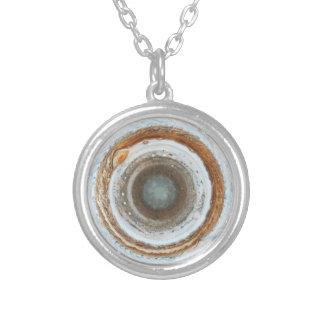 Jupiter sul colar banhado a prata