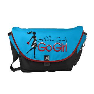 Kailin Gow azul vai a bolsa mensageiro da menina