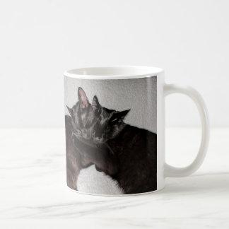 Katniss & caneca do Snuggle dos gatos pretos de