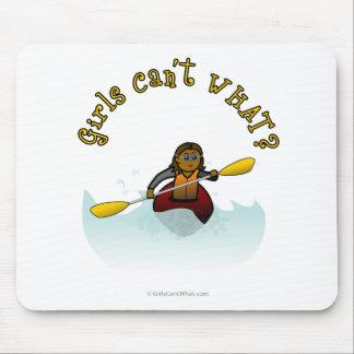 Kayaker escuro da menina mouse pad