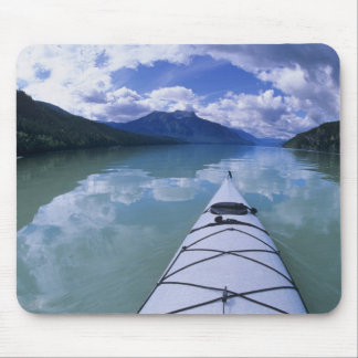 Kayaking na extremidade da extremidade do lago Azu Mouse Pads