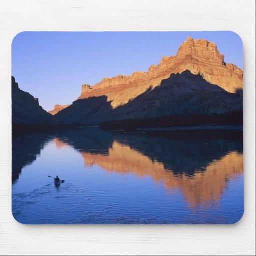 Kayaking no Rio Colorado no espanhol Mousepads
