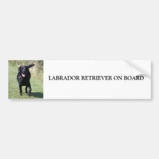 Labrador retriever a bordo do cão preto, presente adesivos