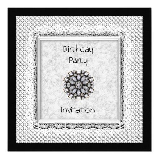 Laço do branco do preto da festa de aniversário do convites personalizados