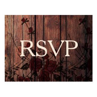 Laço e madeira florais vermelhos do falso de RSVP Cartão Postal